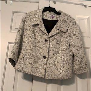 Ivory cropped jacket. 10